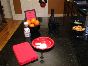 Dressing up the kitchen island with extra sake sets.